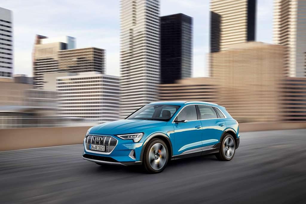 Audi e-tron. Максимальная скорость 200 км/ч