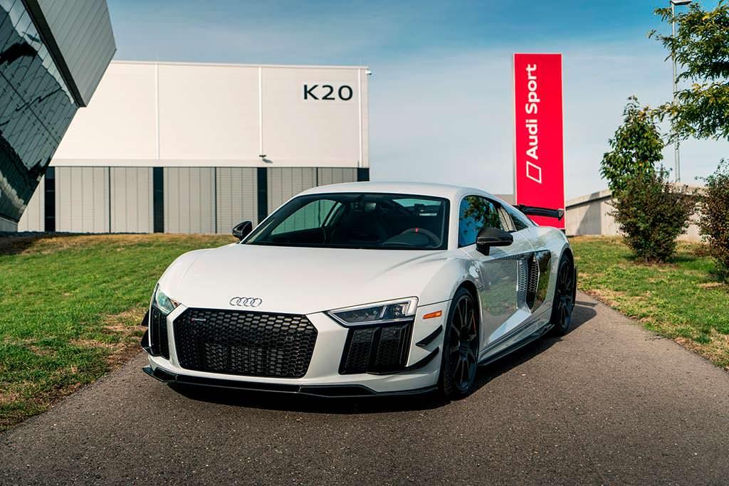 Высокопроизводительная Audi R8 V10 Plus Coupe Competition
