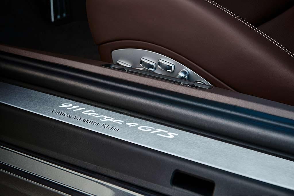 Дверные пороги Porsche 911 Targa 4 GTS Exclusive Manufaktur Edition