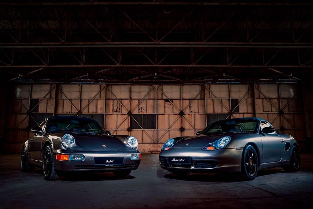 Porsche 964 и Porsche Boxster цвета Liquid Metal