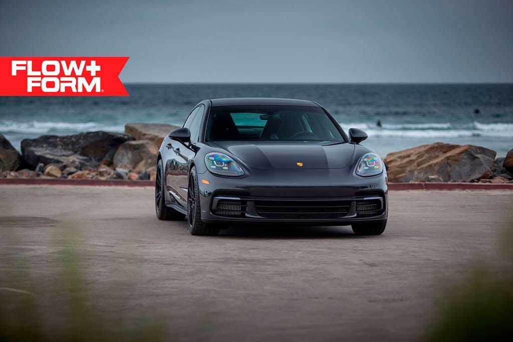 Porsche Panamera 4S Volcano Grey на дисках HRE FF04