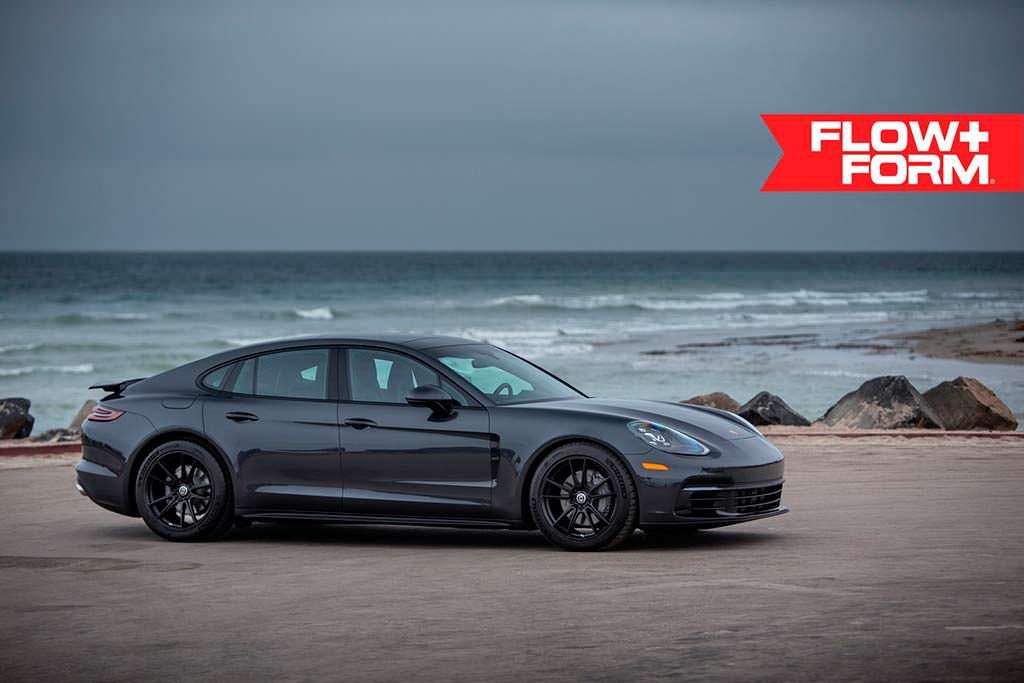 Серая Porsche Panamera 4S на черных дисках HRE FF04