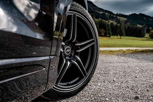 Audi Q8 на 22-дюймовых колесах от ABT Sportsline
