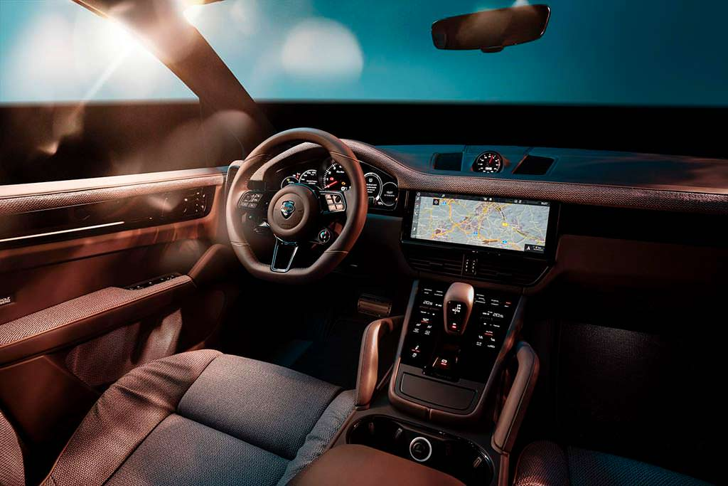 Фото салона Porsche Cayenne Turbo от TechArt