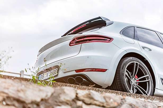 Карбоновые выхлопные трубы Porsche Macan Sport от TechArt