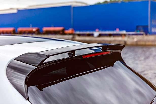 Спойлер на крыше Porsche Macan Sport от TechArt