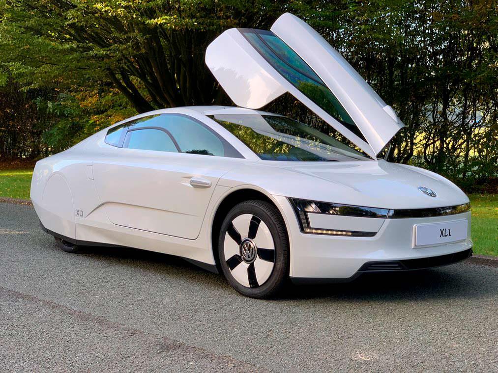Volkswagen XL1 2015 года выпуска почти без пробега