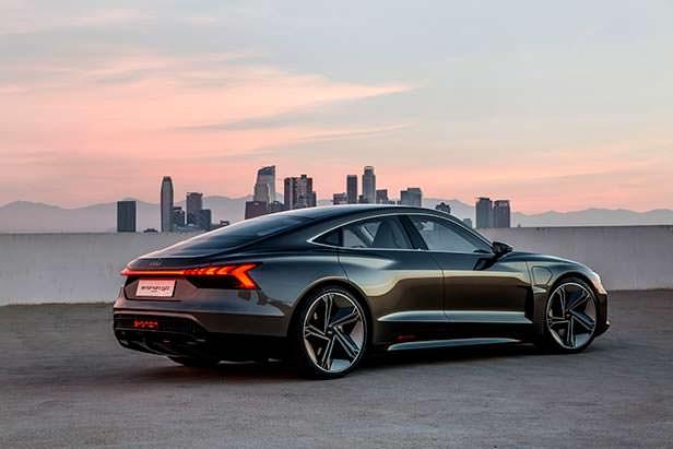Новая Audi e-tron GT Concept