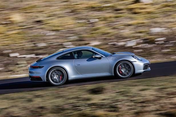 Новая Porsche 911 в кузове 992