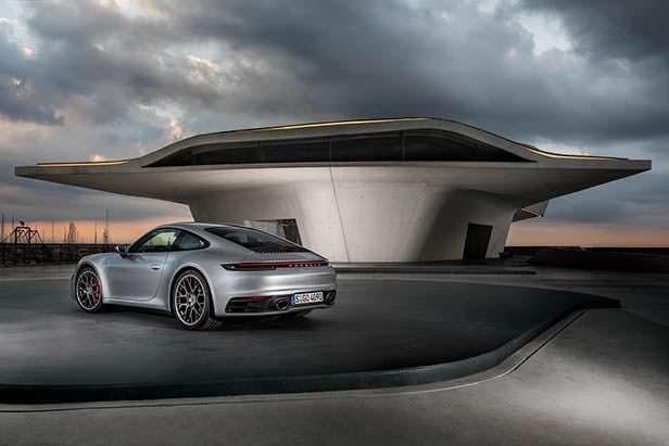 Спорткар Porsche 911. Модельный год 2020