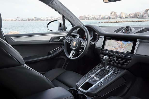 Фото внутри Porsche Macan S 2019