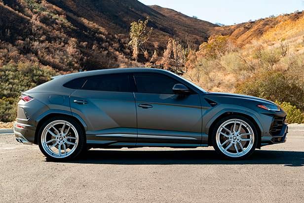 Lamborghini Urus. 24-дюймовые колесные диски Forgiato Wheels