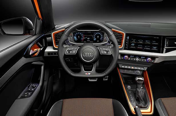 Интерьер Audi A1 citycarver