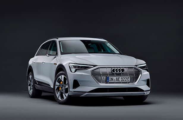 Дешевая Audi e-tron 50 quattro