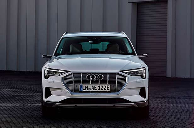 Электро-кроссовер Audi e-tron 50 quattro