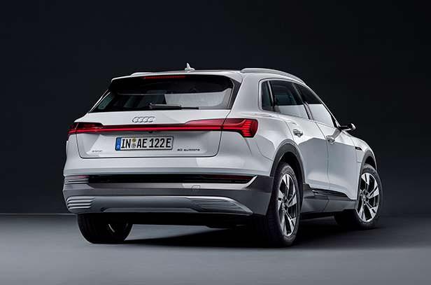 Базовая Audi e-tron 50 quattro