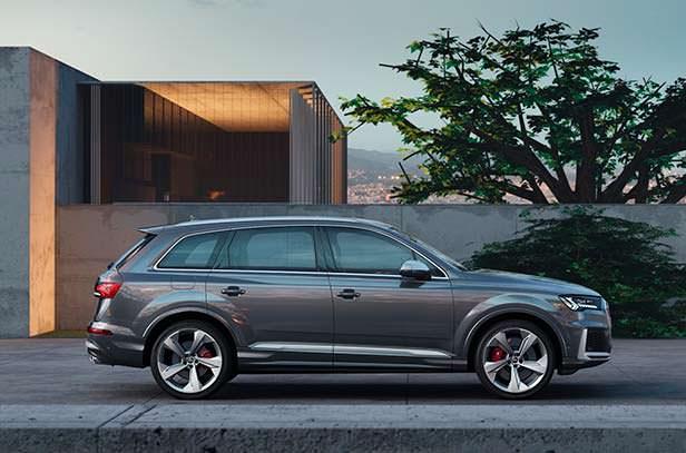Спортивная Audi SQ7 2020 года