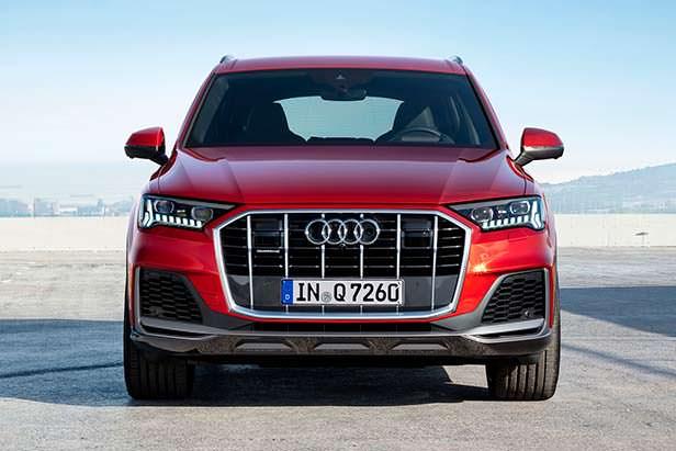 Новая Audi Q7, вид спереди