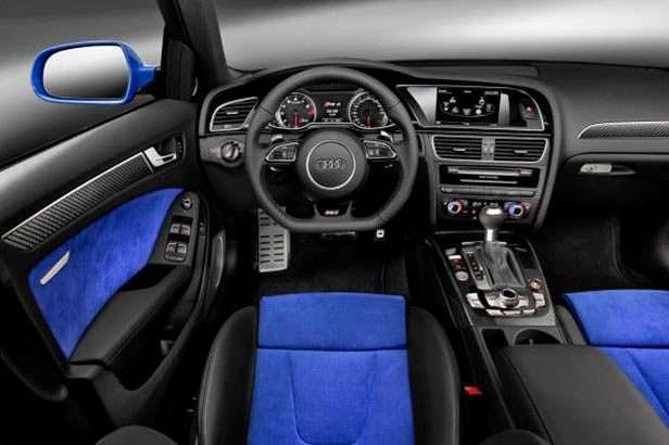 Интерьер Audi RS4 Nogaro