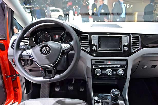 Фото салона Volkswagen Golf Sportsvan