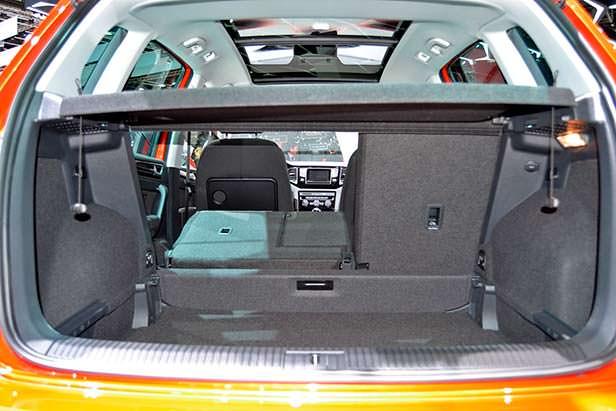Складываемые задние сиденья VW Golf Sportsvan