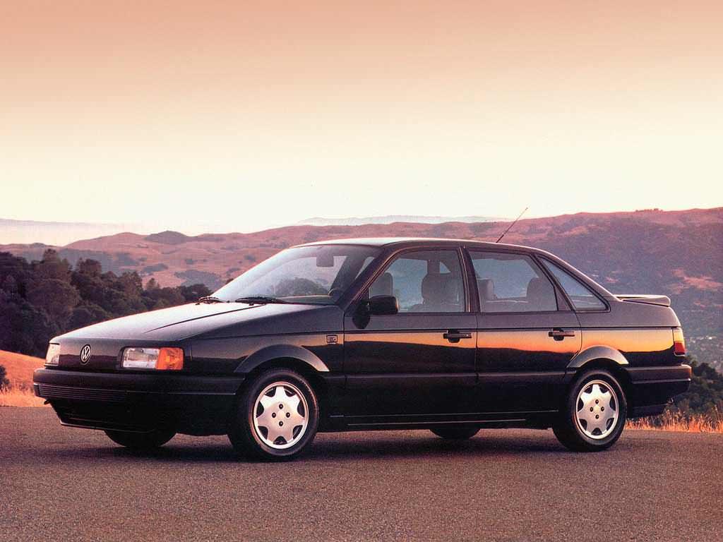 Новый Volkswagen Passat GL 1990. Цена в США $14 770 (с учётом инфляции $27 442,28)