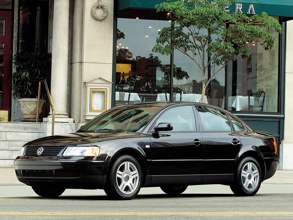 Новый Volkswagen Passat GLS 1.8T 1998. Цена в США $21 250 (с учётом инфляции $31 658,46)
