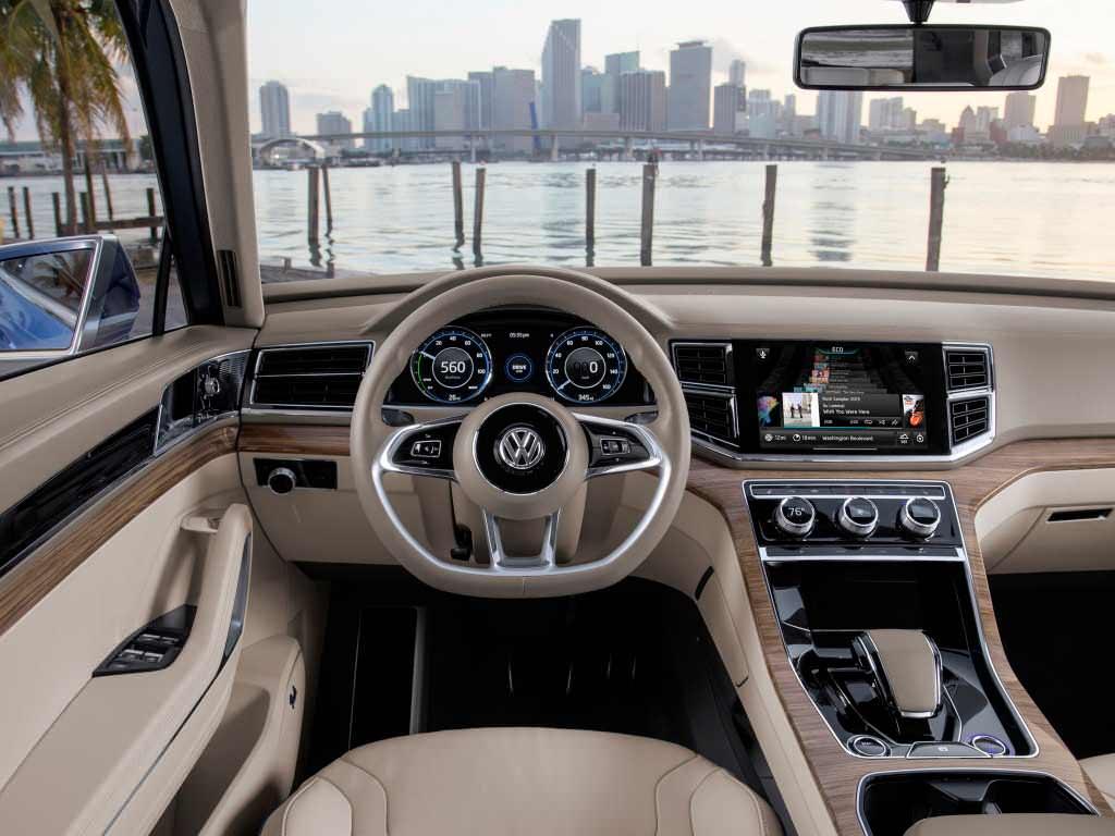 Фото салона Volkswagen CrossBlue Concept