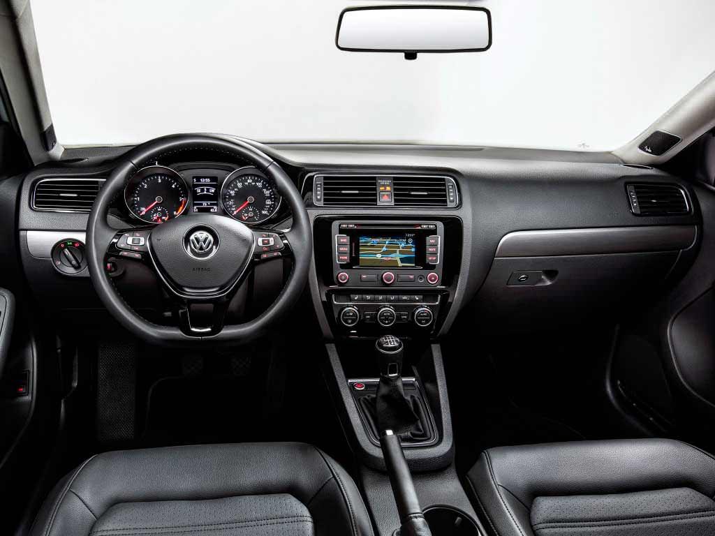 Фото салона Volkswagen Jetta 2015 года