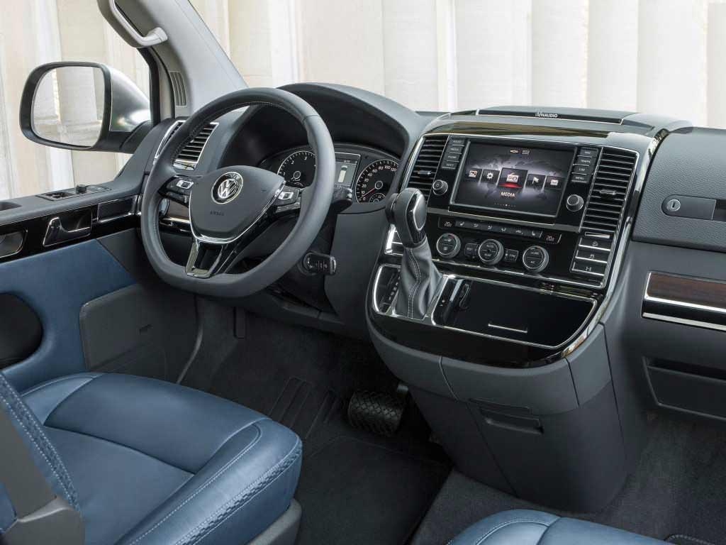 Салон Volkswagen Multivan Alltrack