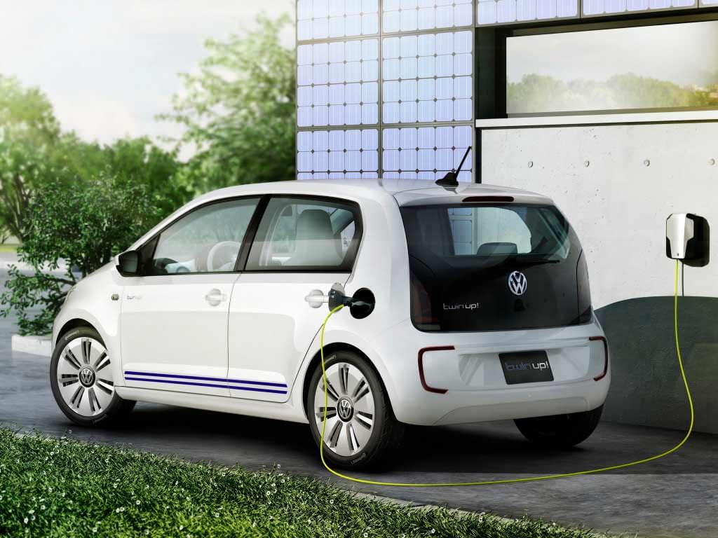 Гибридный Volkswagen Twin-Up!. Вид сзади
