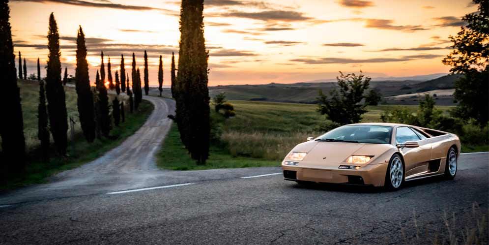 Lamborghini Diablo: история суперкара в его 30-й день рождения