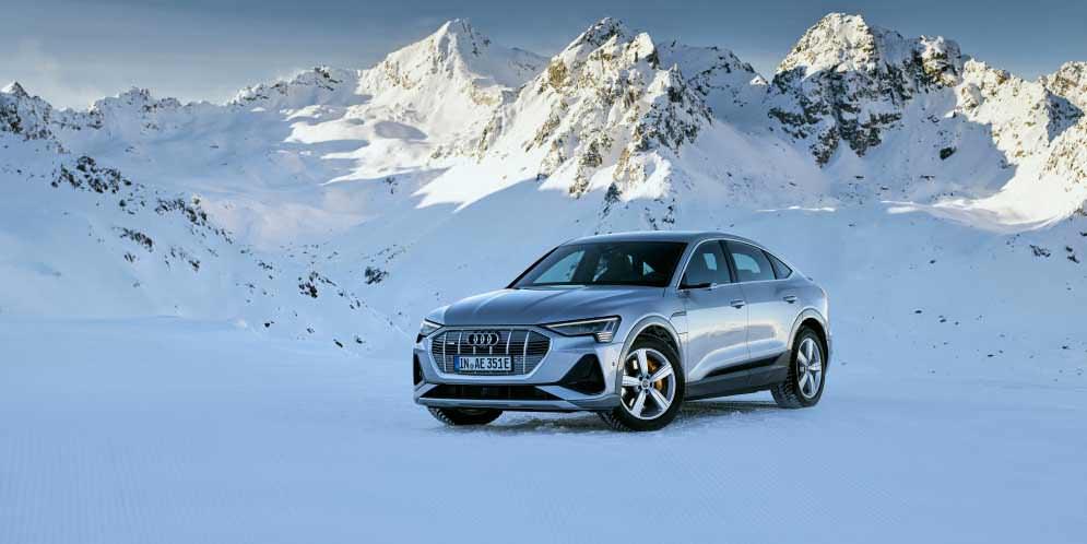 Audi продала почти 50 000 электро-кроссоверов e-tron за год