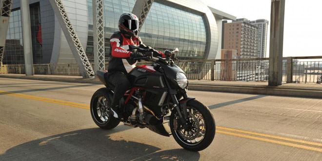 Американская мастерская Commonwealth Motorcycles доработала Ducati Diavel