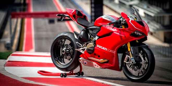 Супербайк Ducati 1199 Superleggera пошел в серию