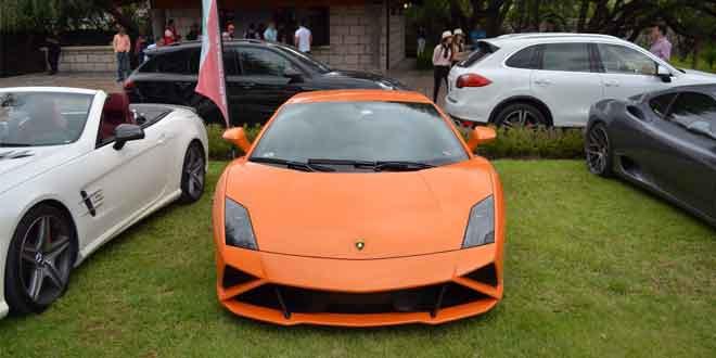 Отделение Lamborghini в Мексике собрало владельцев суперкаров в одном мероприятии