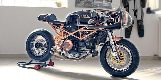 Неповторимый кафе рейсер на базе Ducati Monster S4