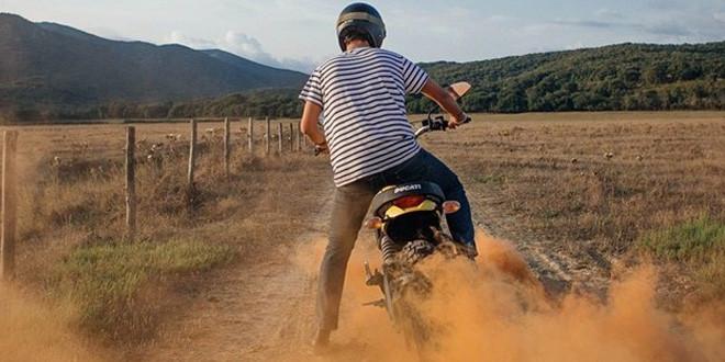 Ducati подогревает интерес к новому скрэмблеру