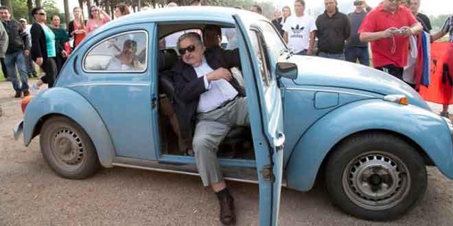 VW Beetle самого бедного президента могут купить за $1 млн