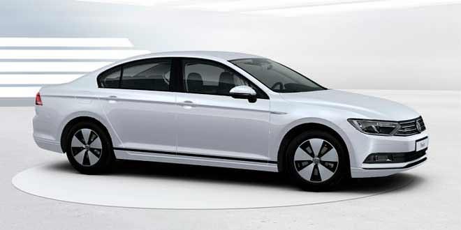 Самый экономичный VW Passat B8 получил правый руль
