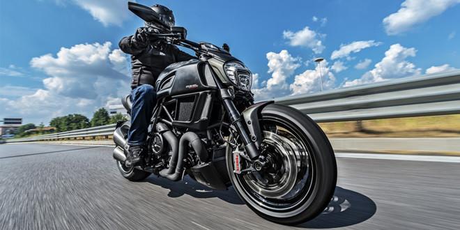 Представлен Ducati Diavel Carbon 2016 модельного года