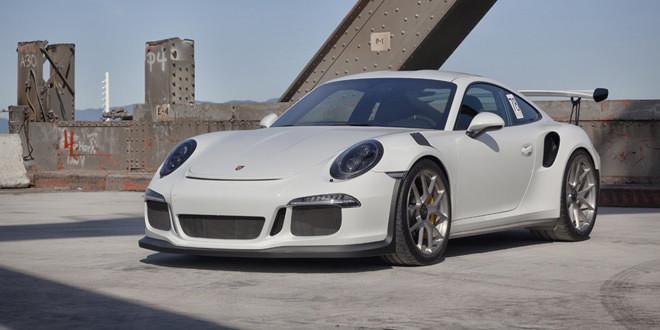 Porsche 911 GT3 RS позирует на дисках HRE Wheels
