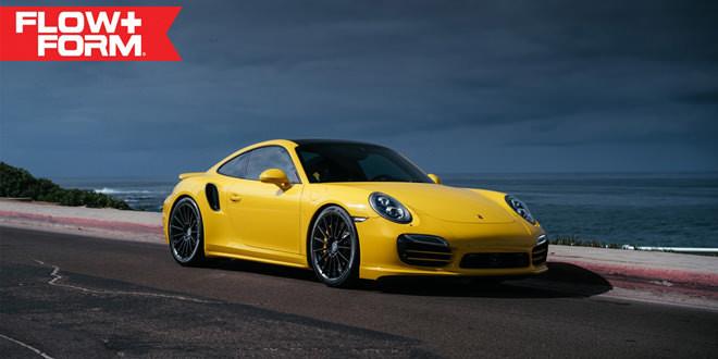 Жёлтый Porsche 911 Turbo S примерил комплект дисков HRE