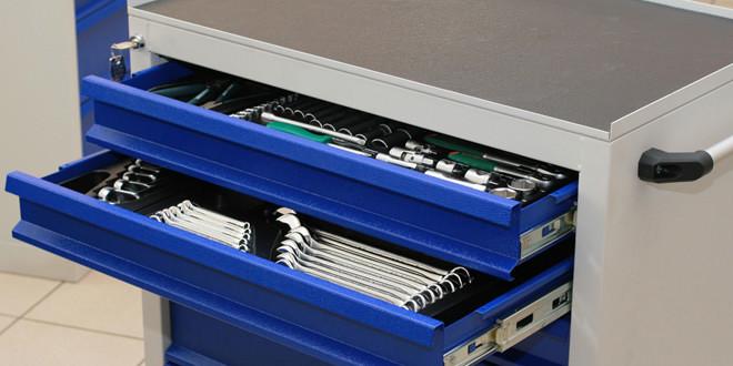 Тележки с инструментом для гаража и автомастерской