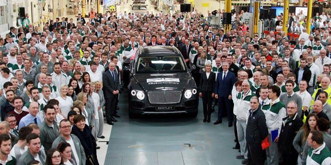 С Конвейера в Крю сошёл первый экземпляр Bentley Bentayga