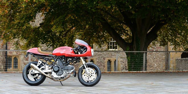 Кафе рейсер Ducati 900SS от мастерской Redmax Speed Shop