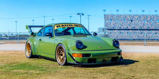 Фото дня: RWB Porsche 911 в кузове 964. Тюнинг по-японски