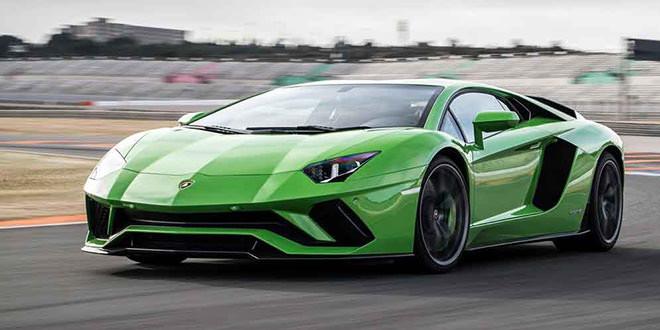 Lamborghini верна атмосферным двигателям, но готова к гибридам