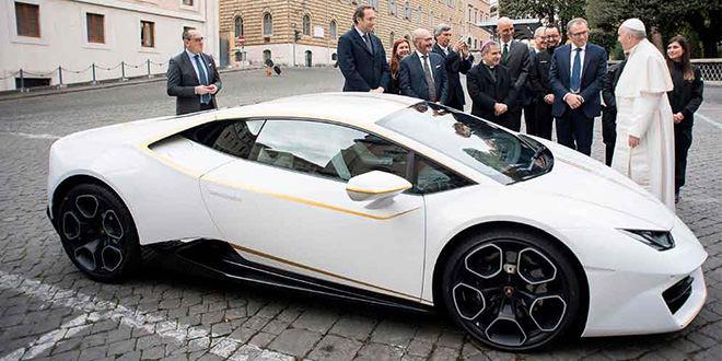 Lamborghini Huracan получил благословение Папы Римского