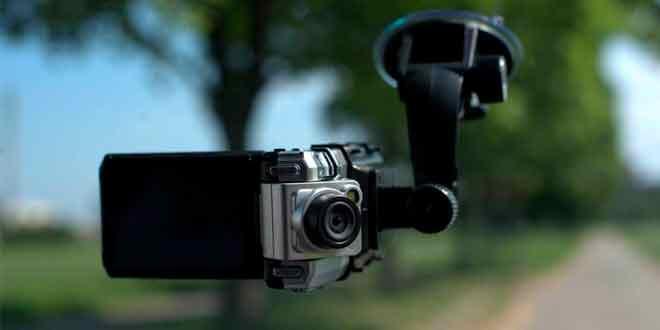 Какой видеорегистратор выбрать для автомобиля